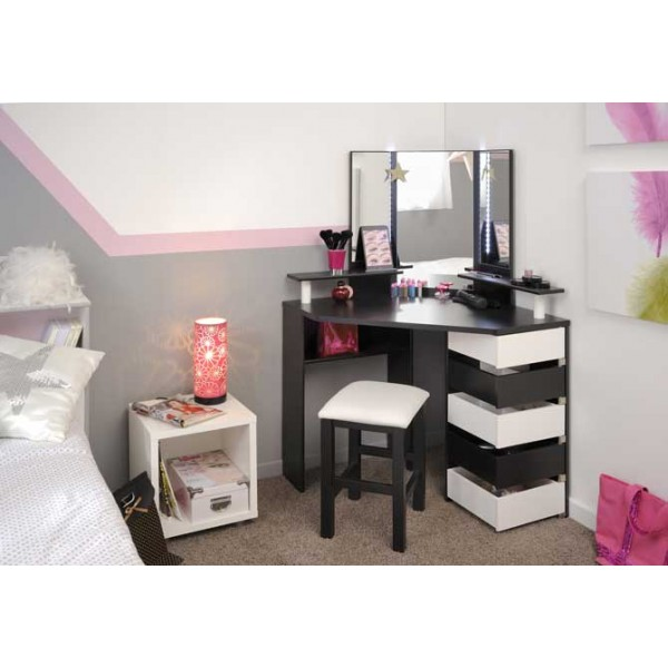 White beauty bar dressing table for Dressing table beauty parlour